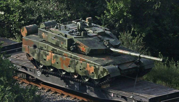 坦克等装甲车辆用的机油和普通汽车不同.png
